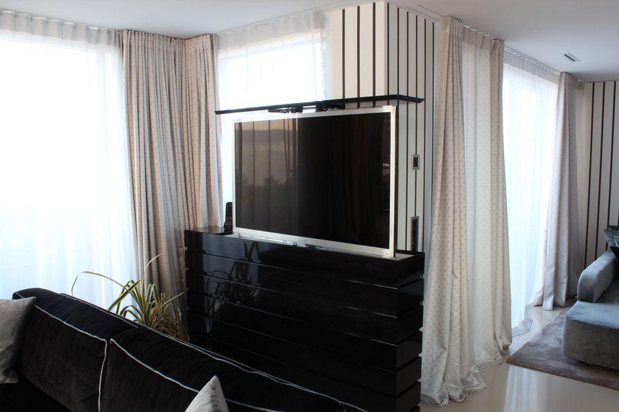schwarze Fernsehmöbel